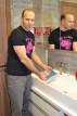 Adam umýva Análny rotačný kolík rimming b-Vibe