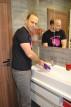 Adam umýva Fun Factory Bi Stronic FUSION