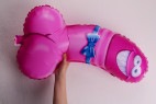 Žartovný balónik v tvare penisu - v ruke