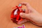 Parfém Obsessive Sexy - stlačení aplikátora
