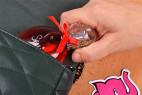 Parfém Obsessive Sexy - fľaštička vnútri tašky