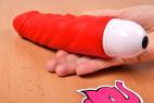 Silikónový vibrátor Big Muscle v ruke