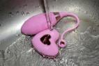 Vibračné vajíčko Pink Love, pod tečúcou vodou