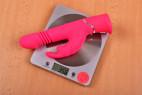 Vibrátor Bunny Hammer - vážime vibrátor, stolný váha ukazuje 356 g