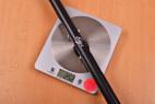 Rozperná tyč Metallic Bar - vážime tyč, stolný váha ukazuje 252 g
