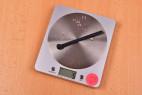 Silikónový dilatátor Pissing Game - vážime dilatátor, stolný váha ukazuje 5 g