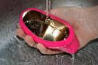 LELO Sona 2 sonická vibrátor - pod tečúcou vodou