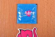 Kondóm Adore - fotenie v predajni Ružový Slon Havířov